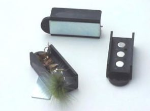 Magnetic Fly Guard